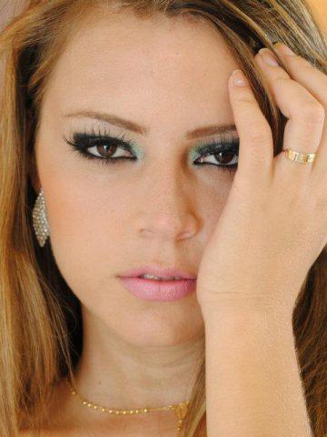 Amanda Oliveira MG